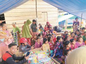 Di lokasi pengungsian bencana alam